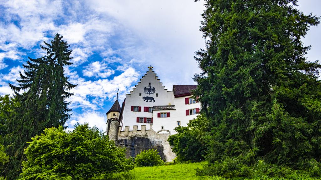 Read more about the article Schlossbier-Trek, Minnesang II: Schloss Lenzburg – Zweite Eroberung durch alp, den Grossen