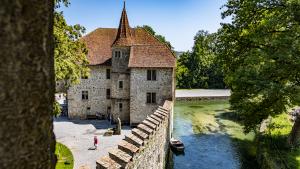 Read more about the article Minnesang III: Schloss Hallwyl mit Schiffsrundfahrt auf dem Hallwilersee