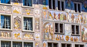 Read more about the article Uferlos am Rheinufer & 600 Weihnachtskrippen im August